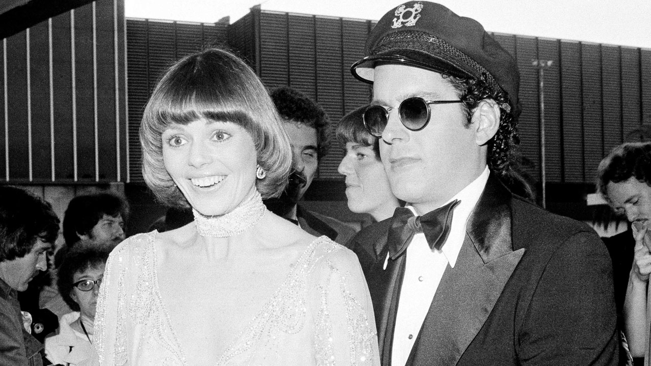 <div class='meta'><div class='origin-logo' data-origin='AP'></div><span class='caption-text' data-credit='AP Photo, File'>Daryl Dragon, of the married musical duo Captain & Tennille, died Jan. 2, 2019 at age 76.</span></div>