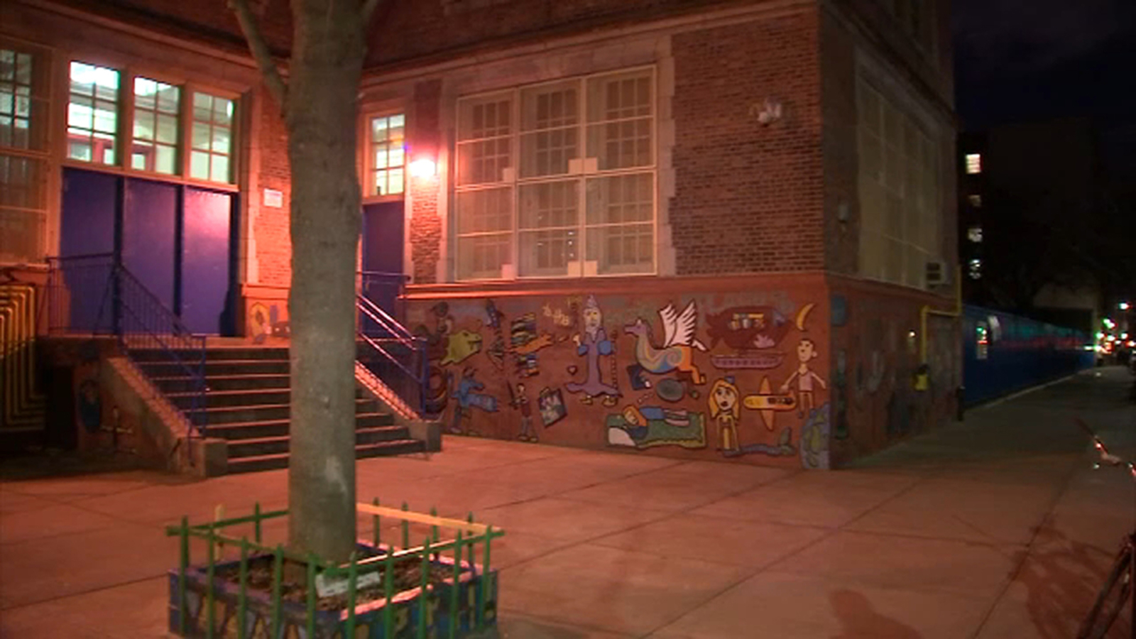 Boy 5 Walks Out Of Nyc School Ends Up On Subway Platform