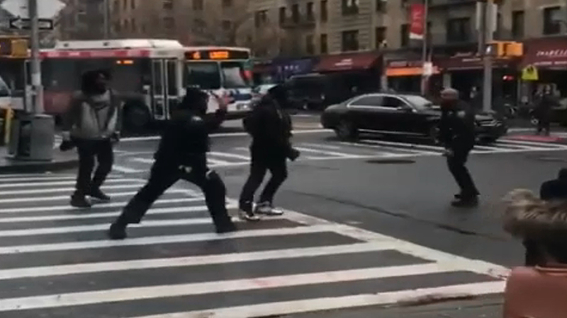 NYPD investigating confrontation between officers, suspects caught on video