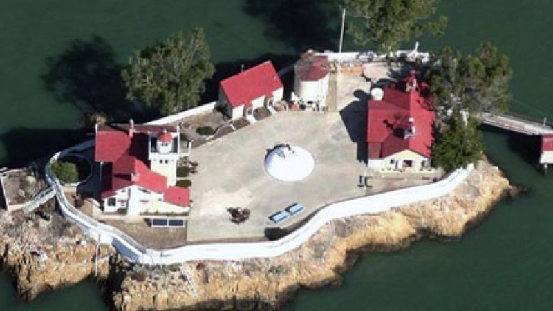 Get paid $130K to live on an island and run a lighthouse