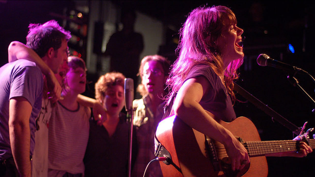 Jenny Lewis at Cat's Cradle in Carrboro, NC. June 12, 2009 (image source: Wikimedia Commons)