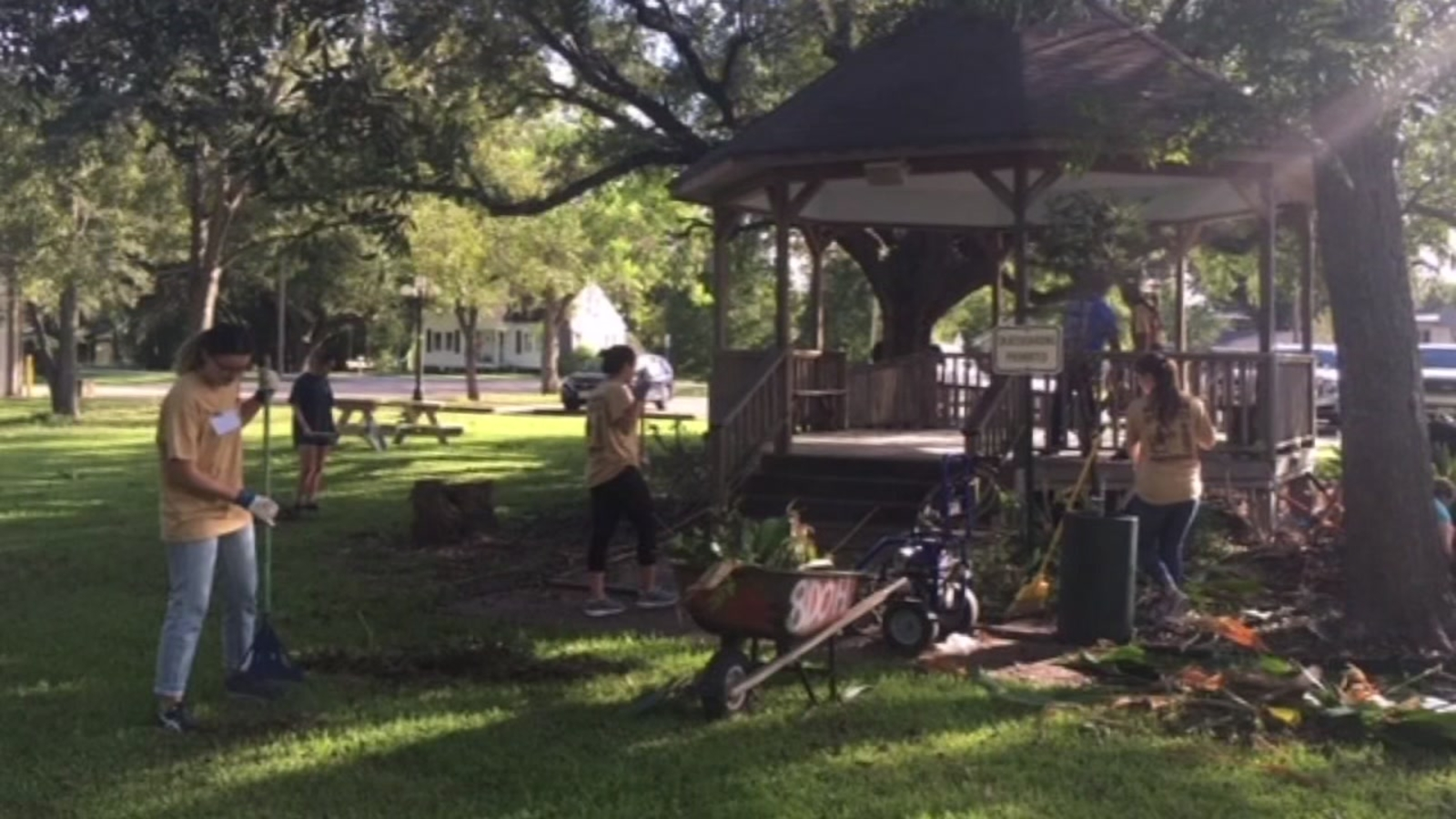 Santa Fe Garden Created To Aid Shooting Survivors Seeking Donations Abc13 Houston