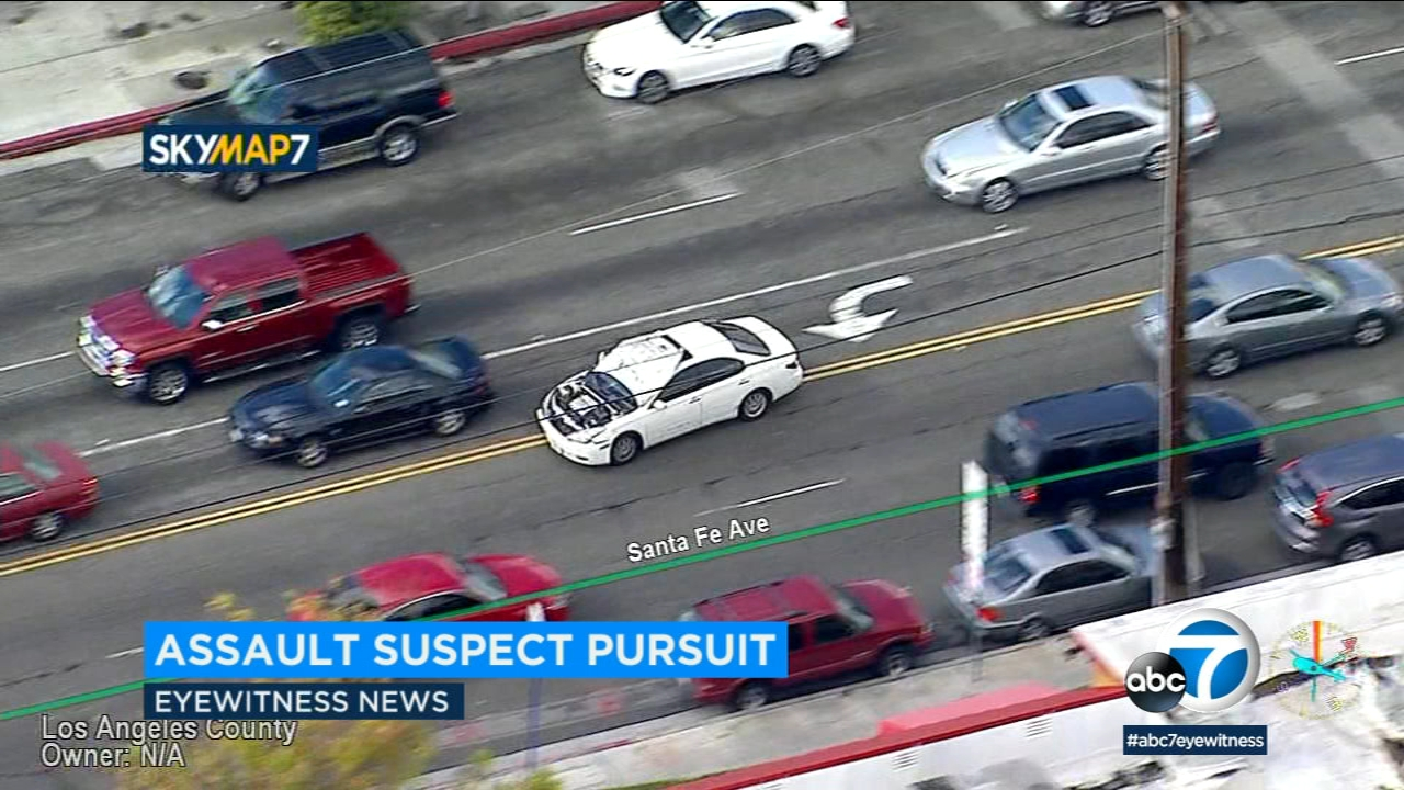 chase suspect's car speeds through los angeles with raised front