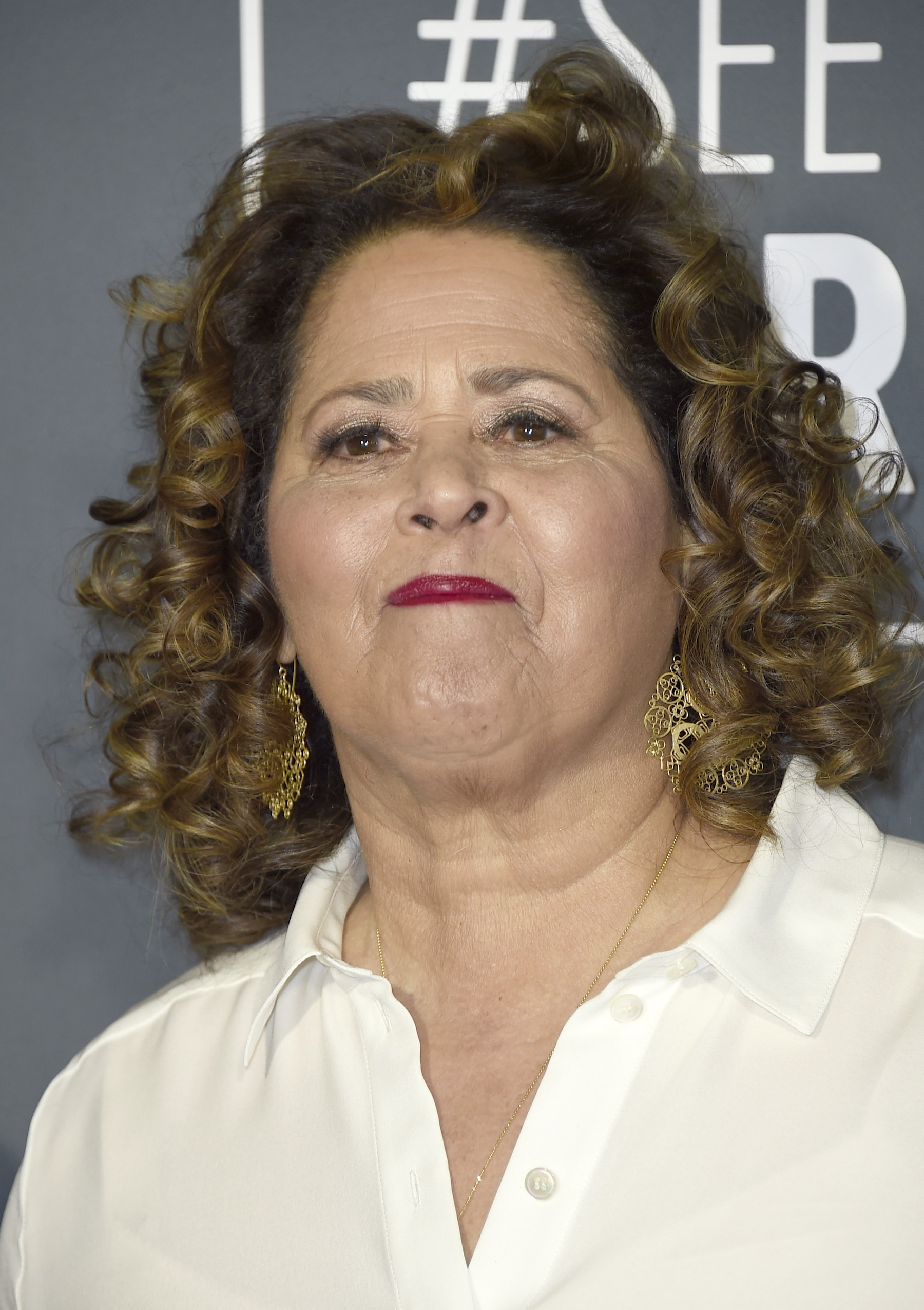 <div class='meta'><div class='origin-logo' data-origin='AP'></div><span class='caption-text' data-credit='Jordan Strauss/Invision/AP'>Anna Deavere Smith arrives at the 24th annual Critics' Choice Awards on Sunday, Jan. 13, 2019, at the Barker Hangar in Santa Monica, Calif.</span></div>