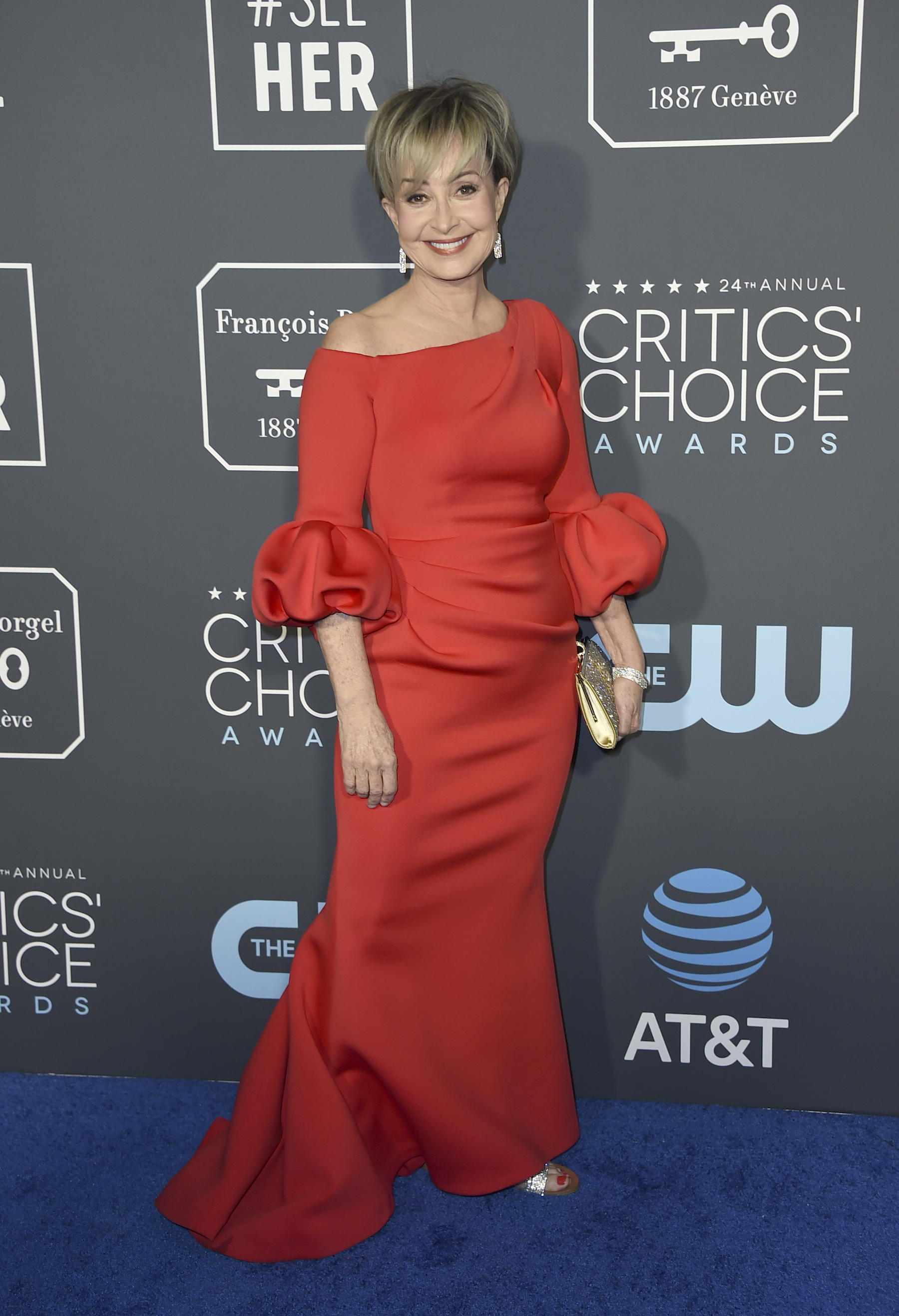 <div class='meta'><div class='origin-logo' data-origin='AP'></div><span class='caption-text' data-credit='Jordan Strauss/Invision/AP'>Annie Potts arrives at the 24th annual Critics' Choice Awards on Sunday, Jan. 13, 2019, at the Barker Hangar in Santa Monica, Calif.</span></div>