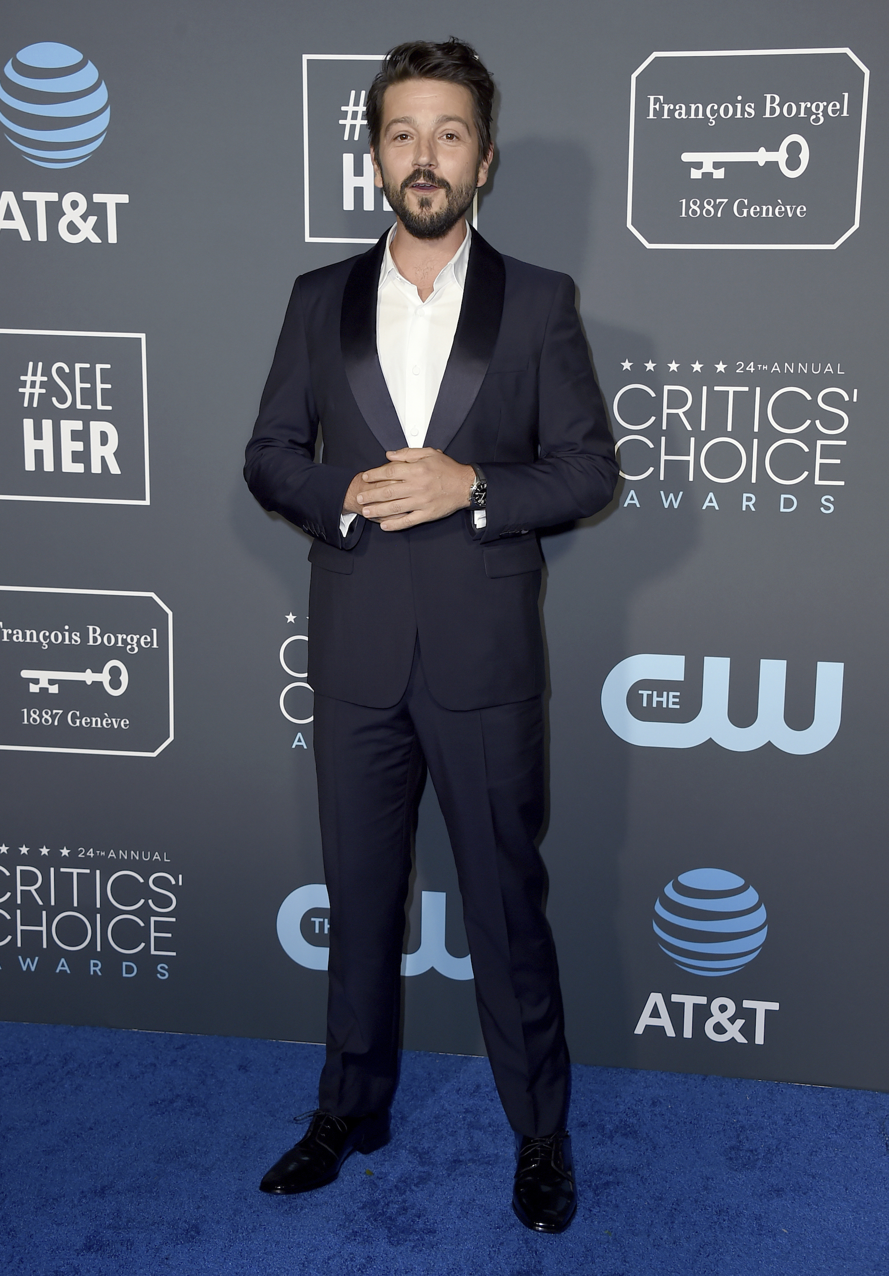 <div class='meta'><div class='origin-logo' data-origin='AP'></div><span class='caption-text' data-credit='Jordan Strauss/Invision/AP'>Diego Luna arrives at the 24th annual Critics' Choice Awards on Sunday, Jan. 13, 2019, at the Barker Hangar in Santa Monica, Calif.</span></div>