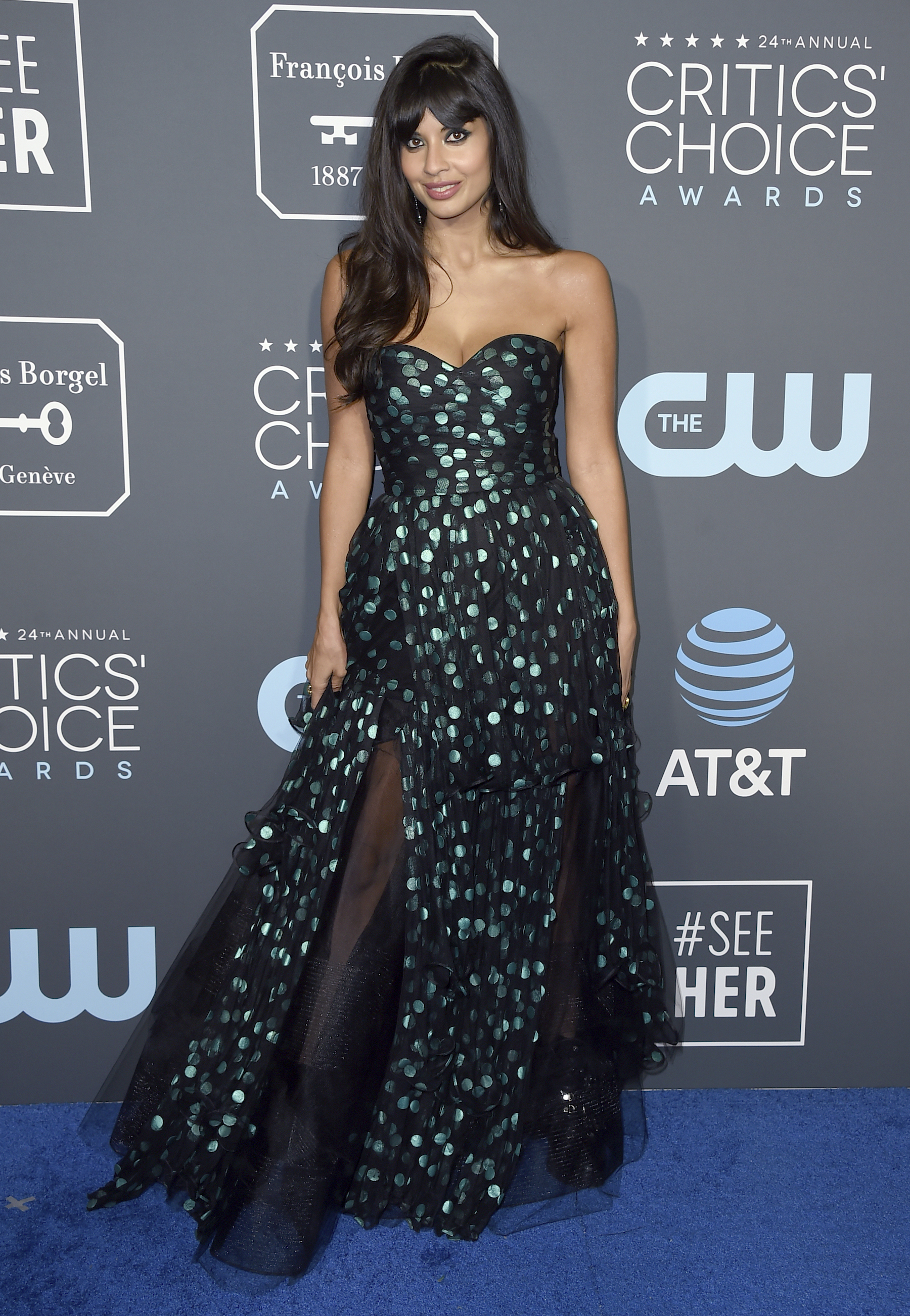 <div class='meta'><div class='origin-logo' data-origin='AP'></div><span class='caption-text' data-credit='Jordan Strauss/Invision/AP'>Jameela Jamil arrives at the 24th annual Critics' Choice Awards on Sunday, Jan. 13, 2019, at the Barker Hangar in Santa Monica, Calif.</span></div>