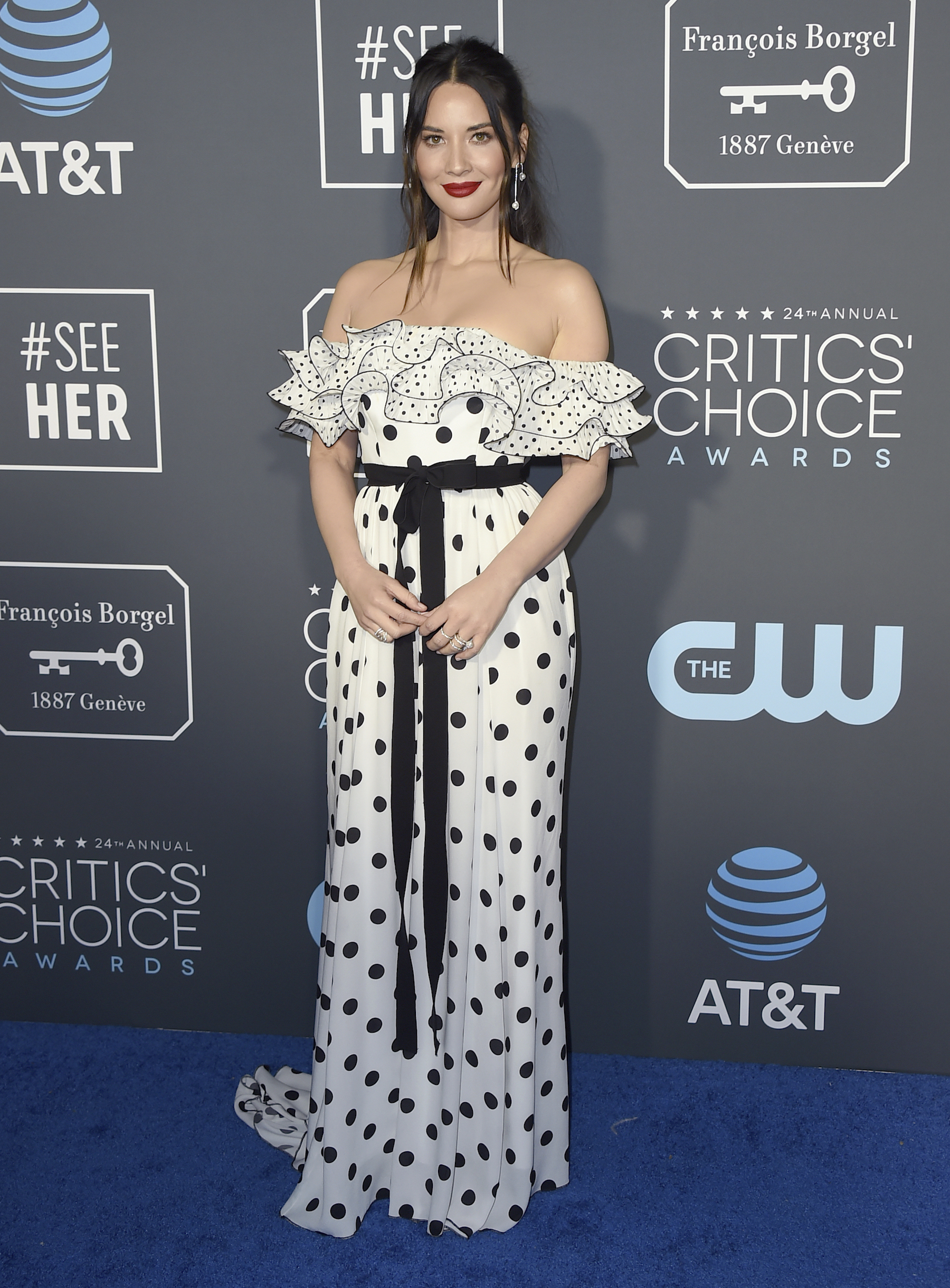 <div class='meta'><div class='origin-logo' data-origin='AP'></div><span class='caption-text' data-credit='Jordan Strauss/Invision/AP'>Olivia Munn arrives at the 24th annual Critics' Choice Awards on Sunday, Jan. 13, 2019, at the Barker Hangar in Santa Monica, Calif.</span></div>
