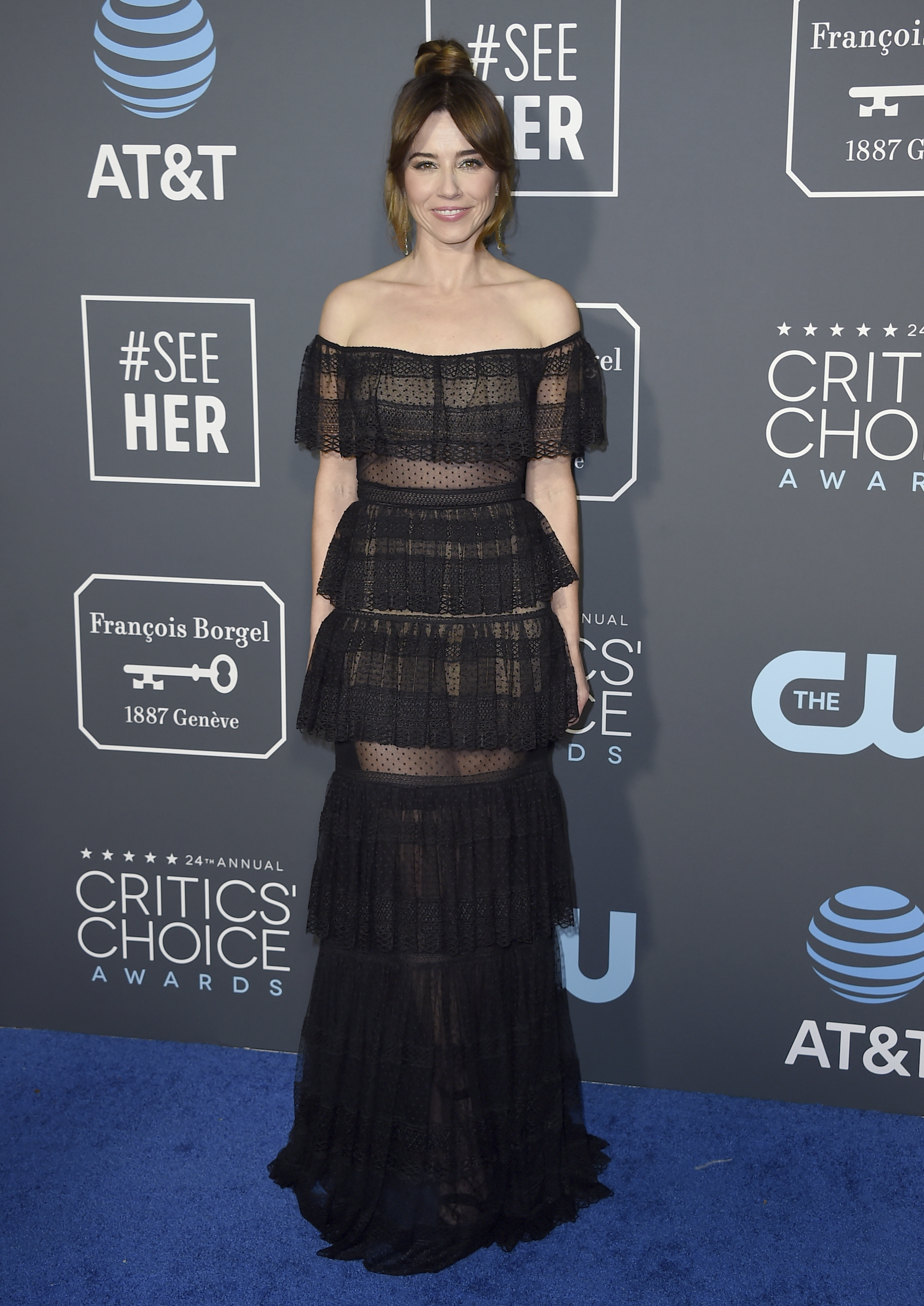 <div class='meta'><div class='origin-logo' data-origin='AP'></div><span class='caption-text' data-credit='Jordan Strauss/Invision/AP'>Linda Cardellini arrives at the 24th annual Critics' Choice Awards on Sunday, Jan. 13, 2019, at the Barker Hangar in Santa Monica, Calif.</span></div>