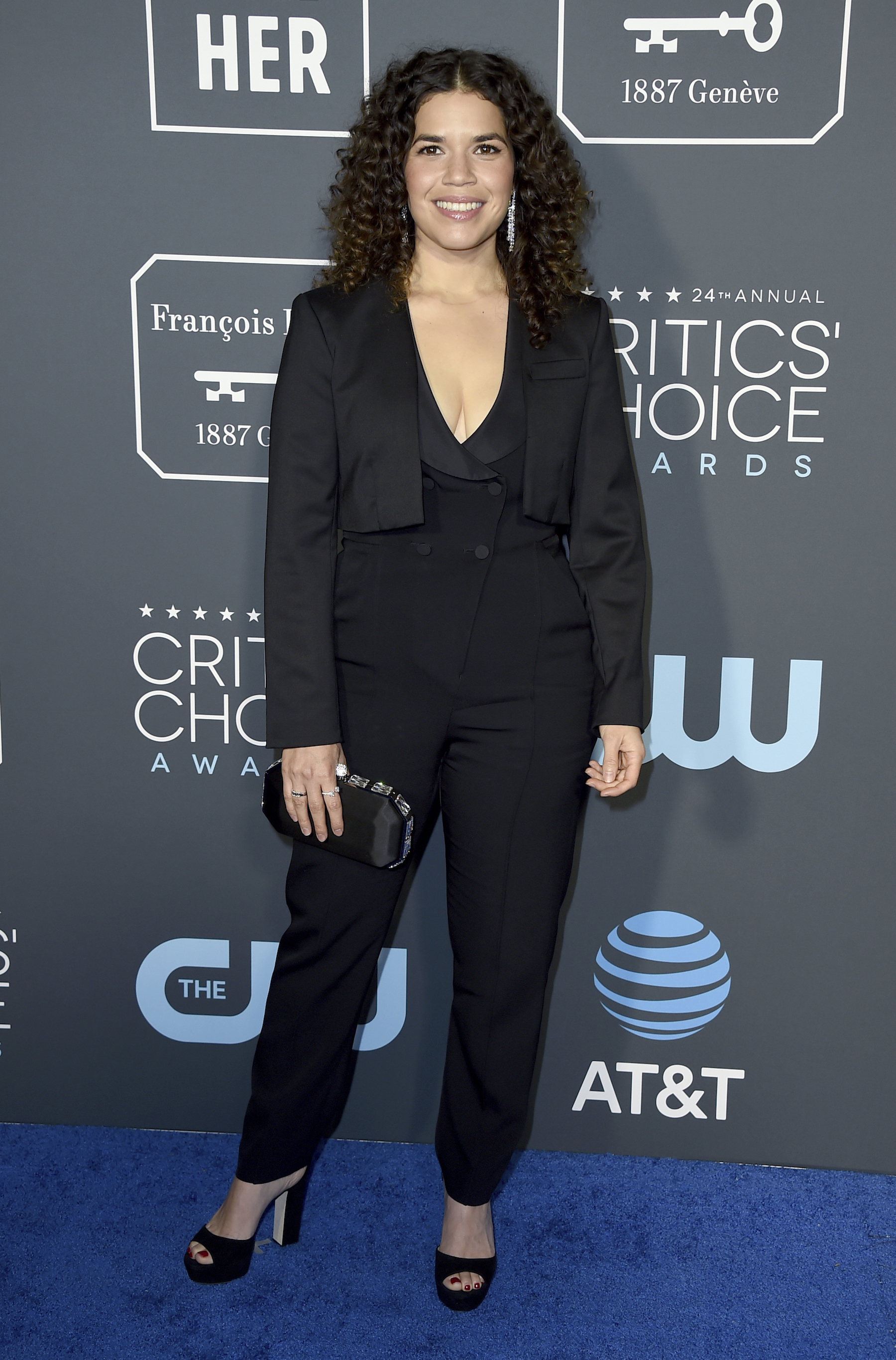 <div class='meta'><div class='origin-logo' data-origin='AP'></div><span class='caption-text' data-credit='Jordan Strauss/Invision/AP'>America Ferrera arrives at the 24th annual Critics' Choice Awards on Sunday, Jan. 13, 2019, at the Barker Hangar in Santa Monica, Calif.</span></div>