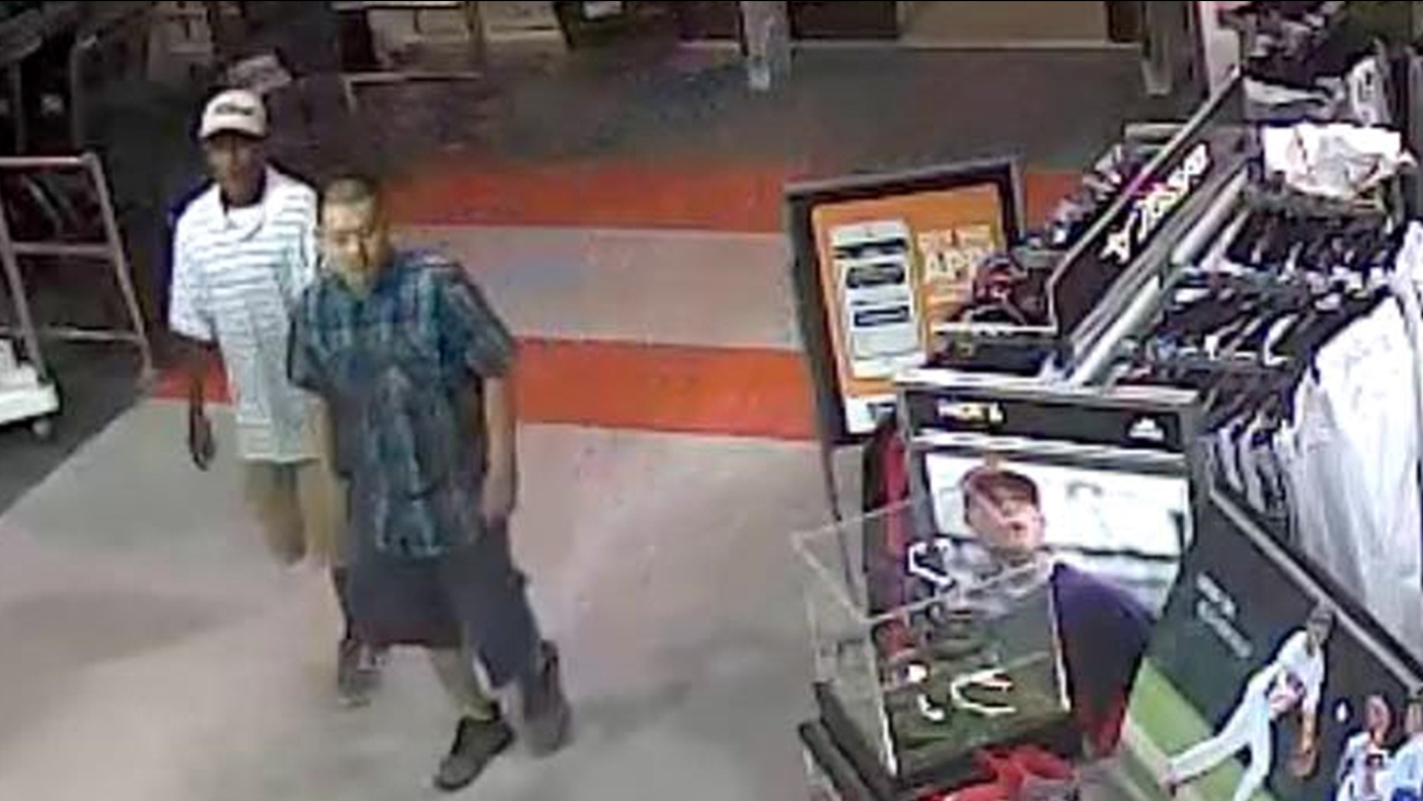 Clovis Dick's Sporting Goods grand theft suspects sought