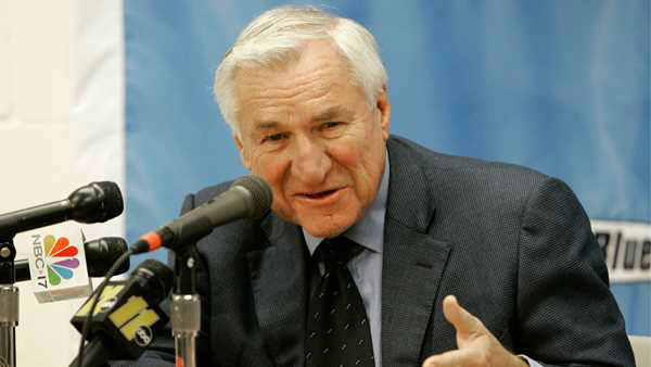 "<div class=""meta image-caption""><div class=""origin-logo origin-image none""><span>none</span></div><span class=""caption-text"">This Dec. 8, 2006 file photo shows former North Carolina basketball coach Dean Smith speaking during a news conference in Chapel Hill, N.C. (AP Photo/Gerry Broome, File)</span></div>"