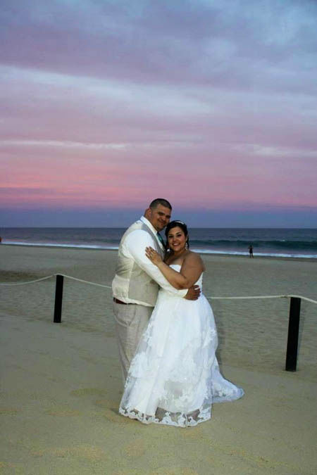 "<div class=""meta image-caption""><div class=""origin-logo origin-image none""><span>none</span></div><span class=""caption-text"">Veronica and Artemio Marroquin had a religious wedding in Houston and a destination wedding in Cabo, Mexico. (Photo/Viewer photo)</span></div>"