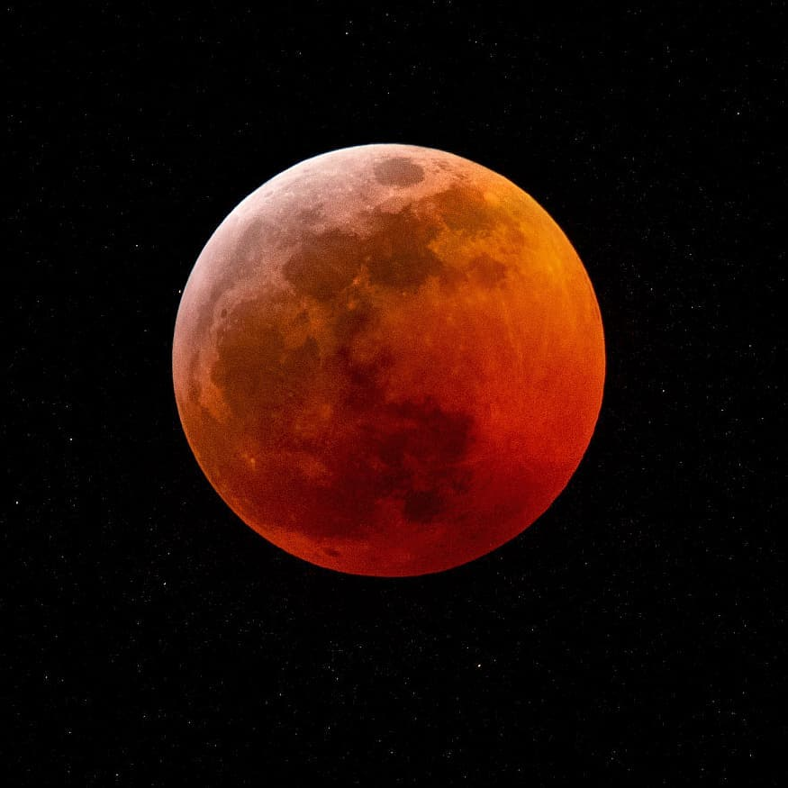 <div class='meta'><div class='origin-logo' data-origin='none'></div><span class='caption-text' data-credit='Photo submitted to KGO-TV by lindseycrew/Instagram'>A rare super blood wolf moon lit up the sky in the Bay Area on Sunday, Jan. 20, 2019 through Monday, Jan. 21, 2019.</span></div>