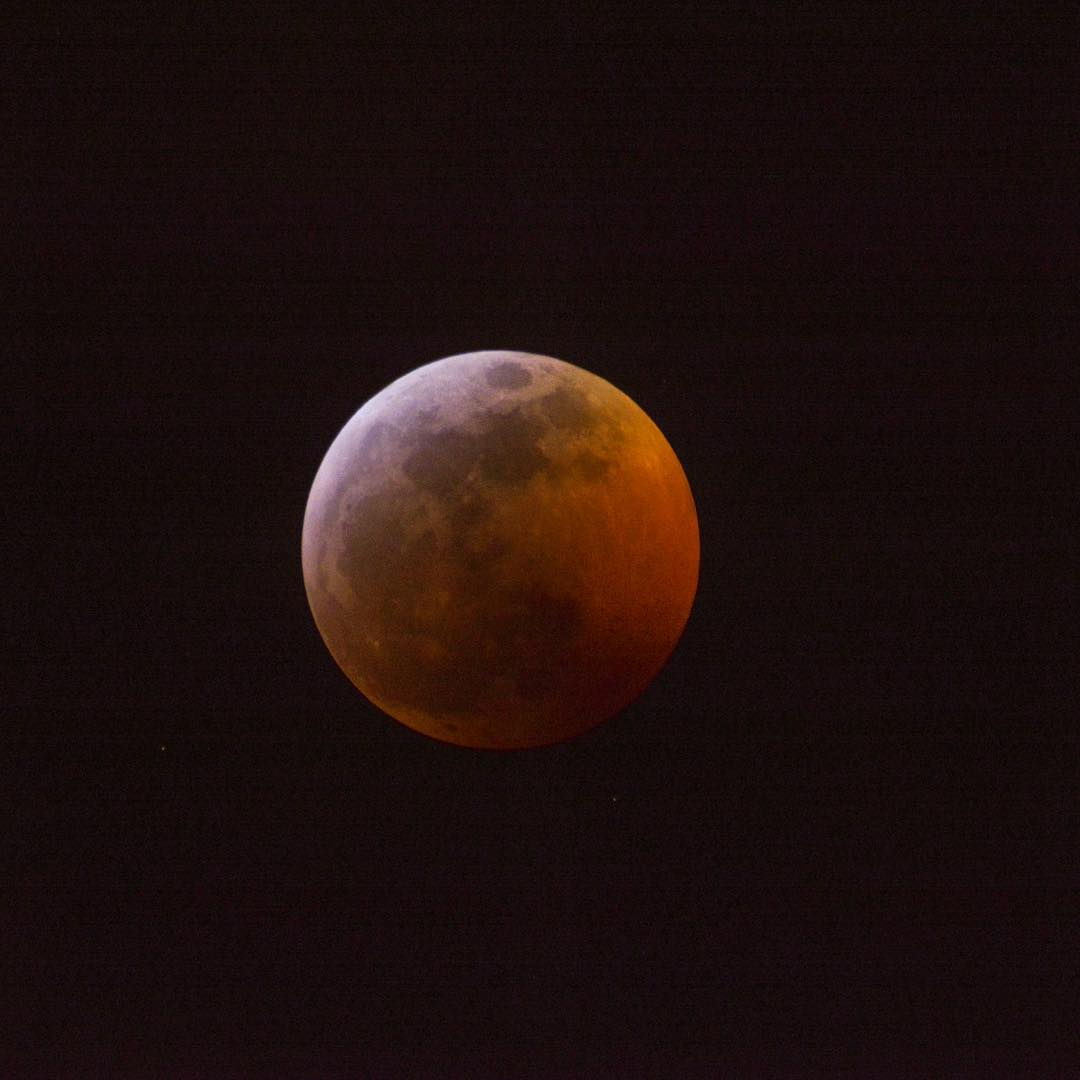 <div class='meta'><div class='origin-logo' data-origin='none'></div><span class='caption-text' data-credit='Photo submitted to KGO-TV by nunag/Instagram'>A rare super blood wolf moon lit up the sky in the Bay Area on Sunday, Jan. 20, 2019 through Monday, Jan. 21, 2019.</span></div>