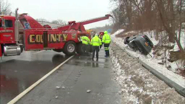 "<div class=""meta image-caption""><div class=""origin-logo origin-image none""><span>none</span></div><span class=""caption-text"">An SUV went off the highway in Ardsley, Westchester County.</span></div>"
