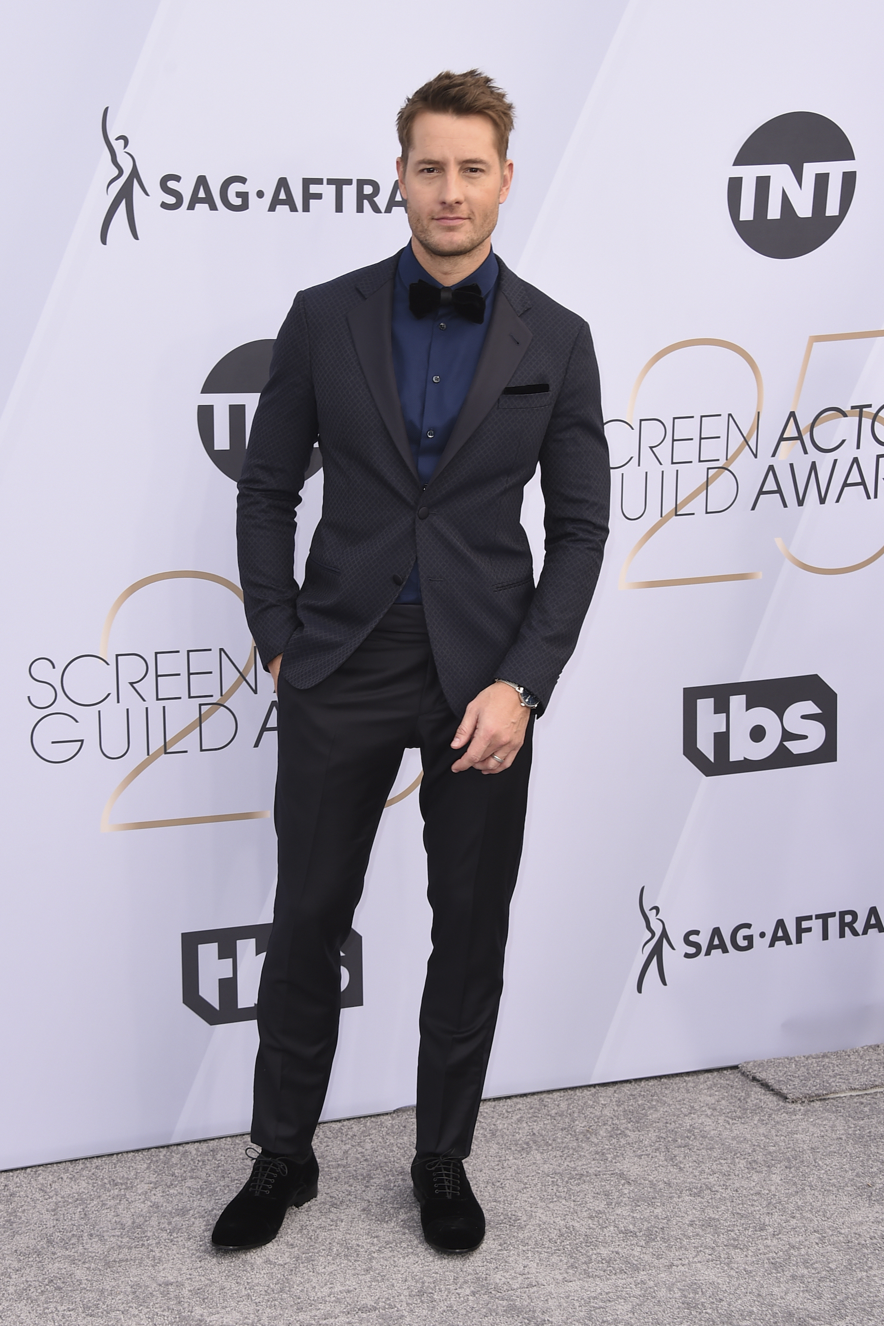 <div class='meta'><div class='origin-logo' data-origin='AP'></div><span class='caption-text' data-credit='Jordan Strauss/Invision/AP'>Justin Hartley arrives at the 25th annual Screen Actors Guild Awards at the Shrine Auditorium & Expo Hall on Sunday, Jan. 27, 2019, in Los Angeles.</span></div>