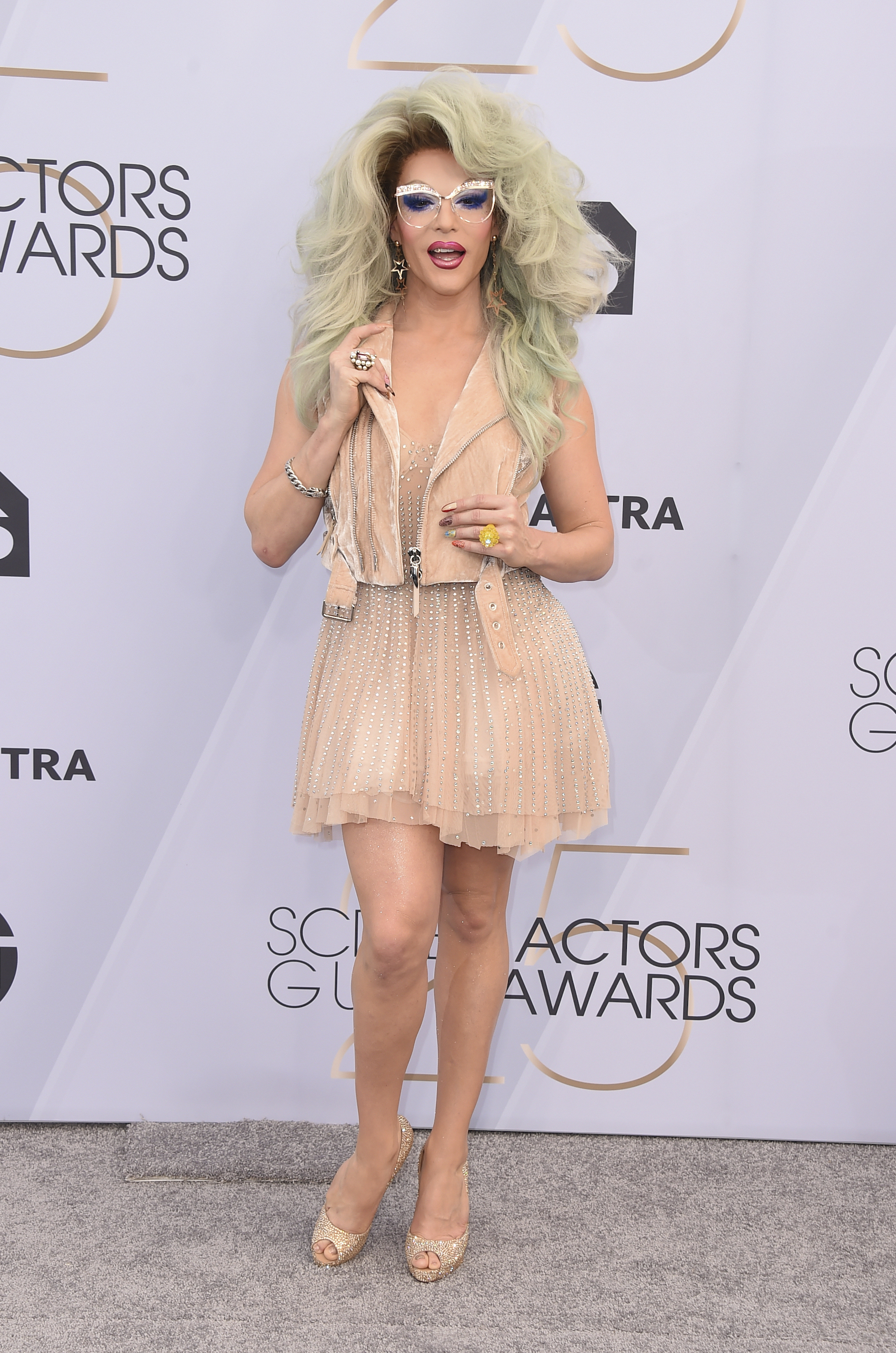 "<div class=""meta image-caption""><div class=""origin-logo origin-image ap""><span>AP</span></div><span class=""caption-text"">Willam Belli arrives at the 25th annual Screen Actors Guild Awards at the Shrine Auditorium & Expo Hall on Sunday, Jan. 27, 2019, in Los Angeles. (Jordan Strauss/Invision/AP)</span></div>"