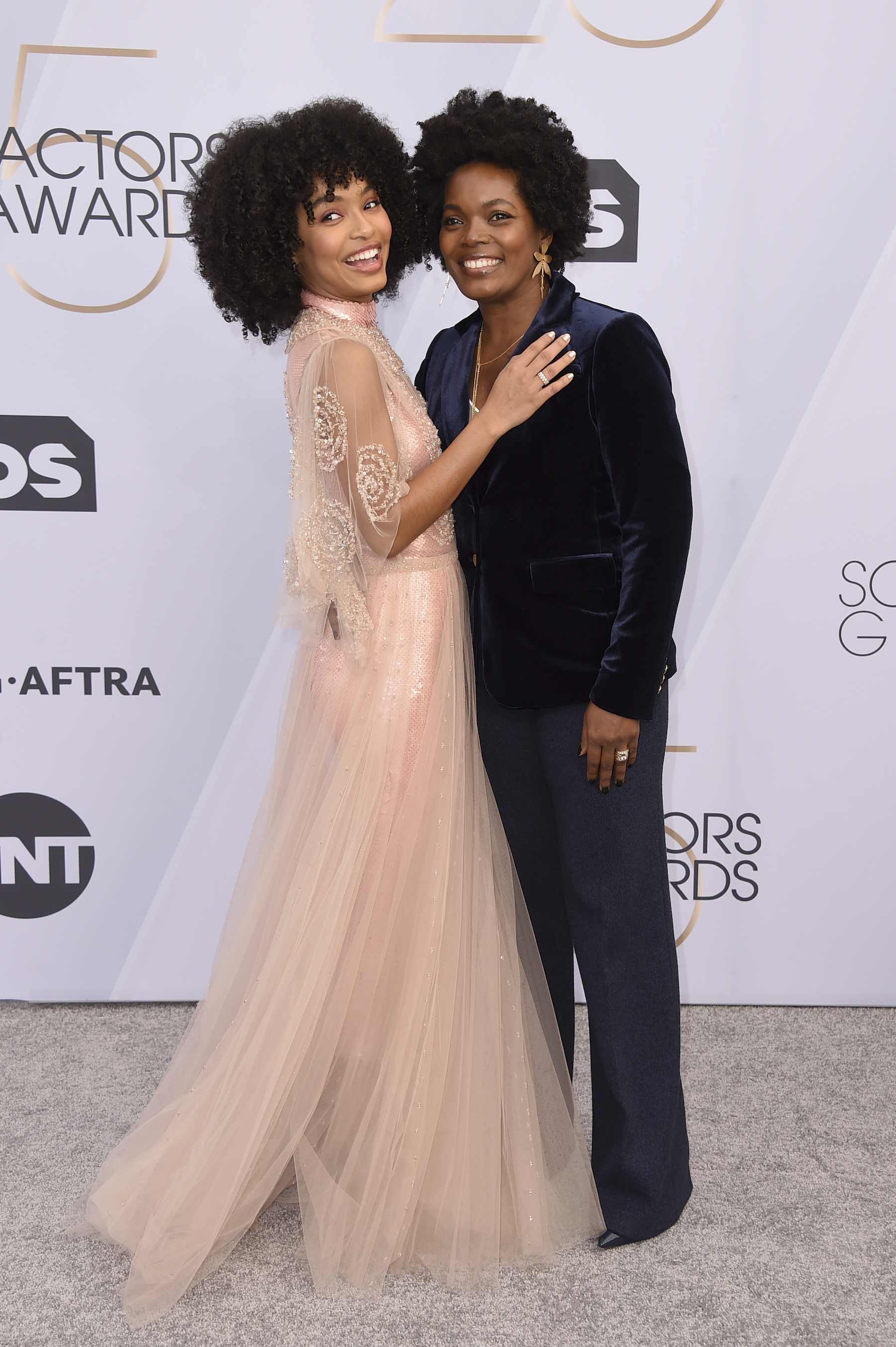 <div class='meta'><div class='origin-logo' data-origin='AP'></div><span class='caption-text' data-credit='Jordan Strauss/Invision/AP'>Yara Shahidi, left, and Keri Shahidi arrive at the 25th annual Screen Actors Guild Awards at the Shrine Auditorium & Expo Hall on Sunday, Jan. 27, 2019, in Los Angeles.</span></div>