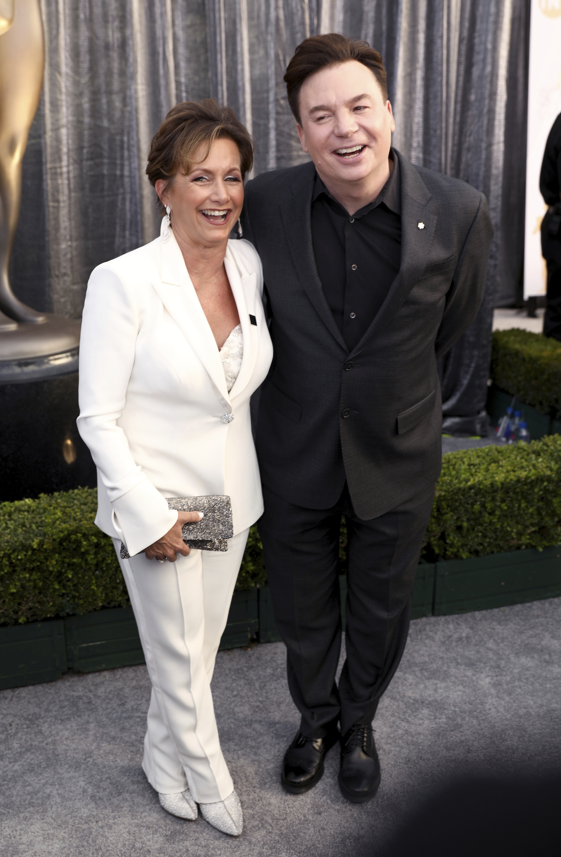 "<div class=""meta image-caption""><div class=""origin-logo origin-image ap""><span>AP</span></div><span class=""caption-text"">Gabrielle Carteris, executive vice president of SAG-AFTRA, left, and Mike Myers arrive at the 25th annual Screen Actors Guild Awards at the Shrine Auditorium & Expo Hall. (Matt Sayles/Invision/AP)</span></div>"