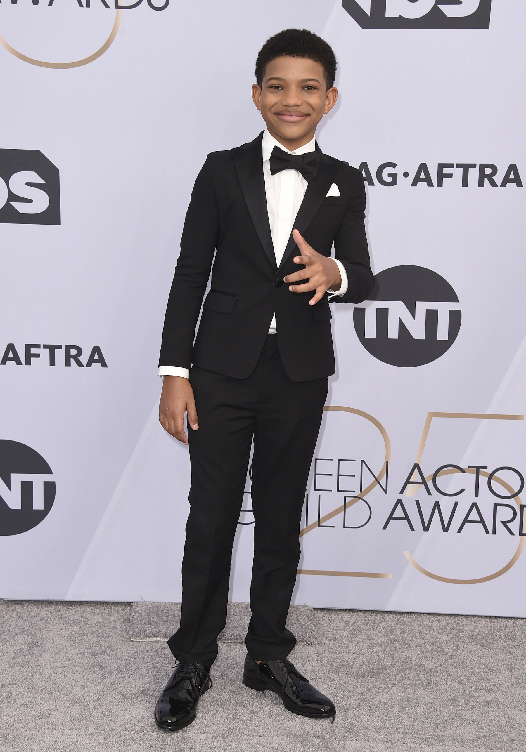 <div class='meta'><div class='origin-logo' data-origin='AP'></div><span class='caption-text' data-credit='Jordan Strauss/Invision/AP'>Lonnie Chavis arrives at the 25th annual Screen Actors Guild Awards at the Shrine Auditorium & Expo Hall on Sunday, Jan. 27, 2019, in Los Angeles.</span></div>