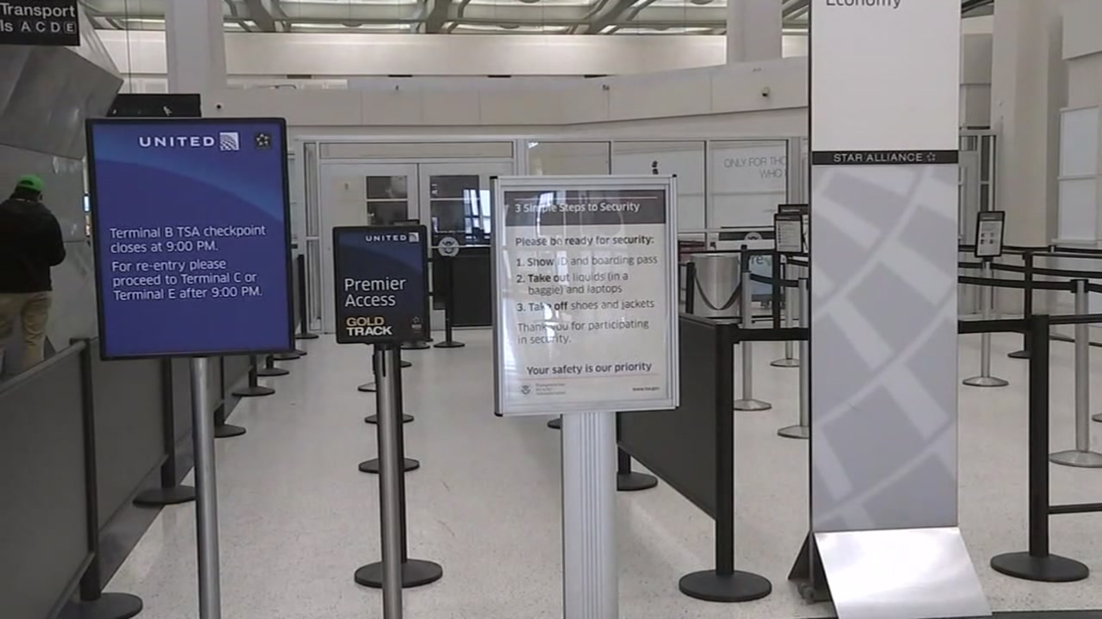 Bush Airport S Tsa Checkpoint In Houston To Re Opened