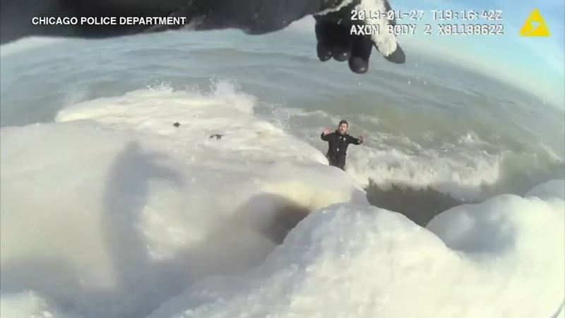 Dramatic footage shows Chicago police save man trapped in