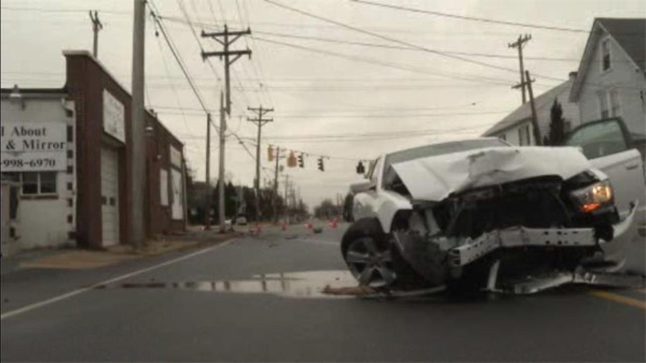 Driver slams into utility pole in Prices Corner