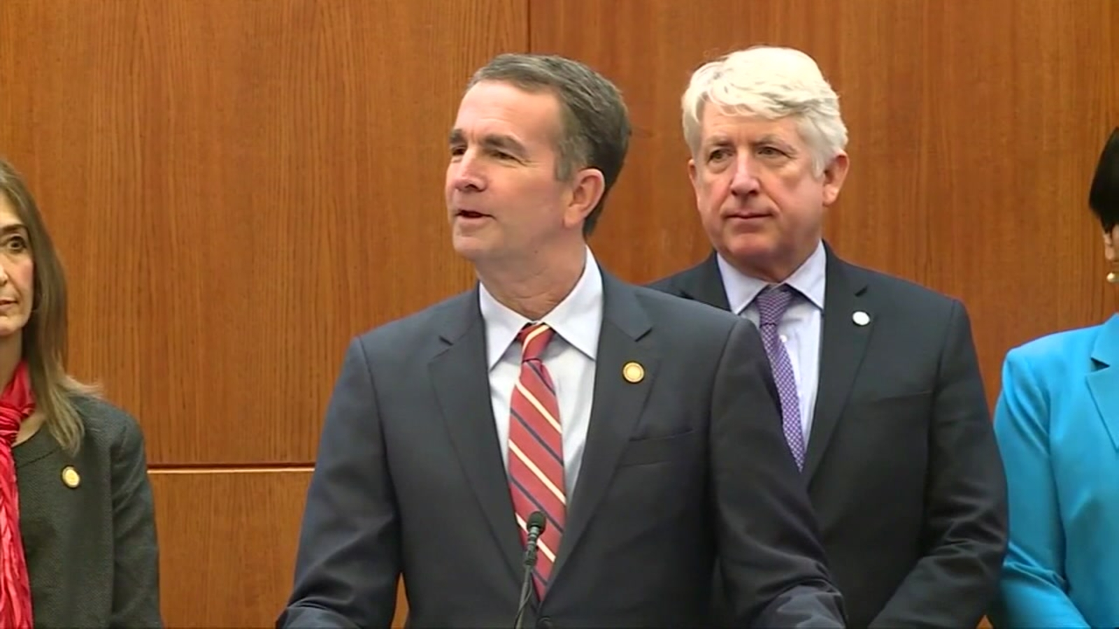 Virginia Gov. Ralph Northam denies being in racist photo, sources say | abc13.com