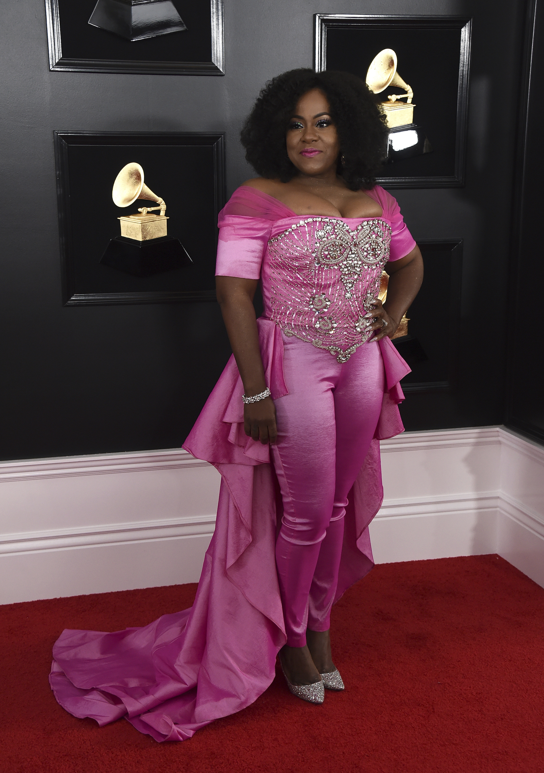 <div class='meta'><div class='origin-logo' data-origin='AP'></div><span class='caption-text' data-credit='Jordan Strauss/Invision/AP'>Etana arrives at the 61st annual Grammy Awards at the Staples Center on Sunday, Feb. 10, 2019, in Los Angeles.</span></div>