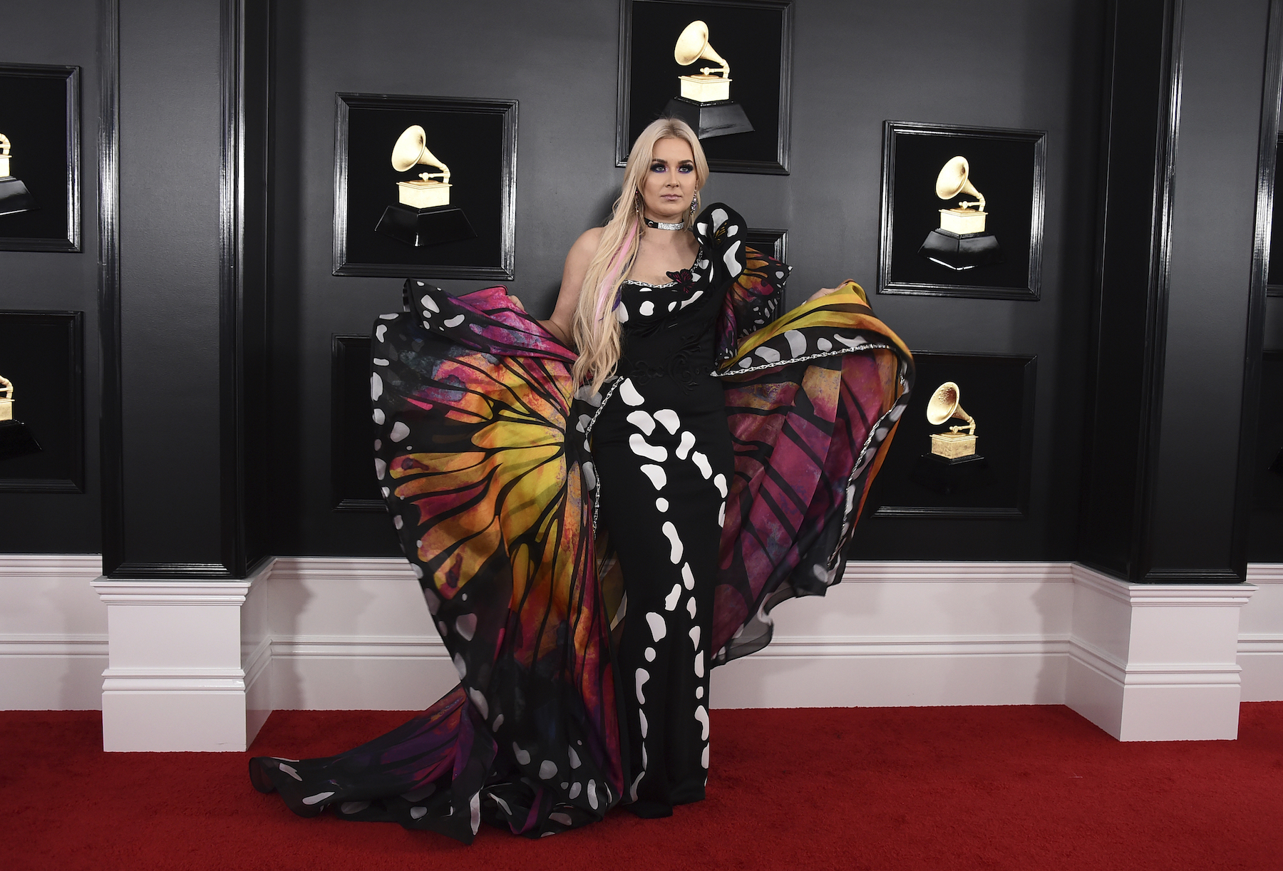 <div class='meta'><div class='origin-logo' data-origin='AP'></div><span class='caption-text' data-credit='Jordan Strauss/Invision/AP'>Saint Heart arrives at the 61st annual Grammy Awards at the Staples Center on Sunday, Feb. 10, 2019, in Los Angeles.</span></div>