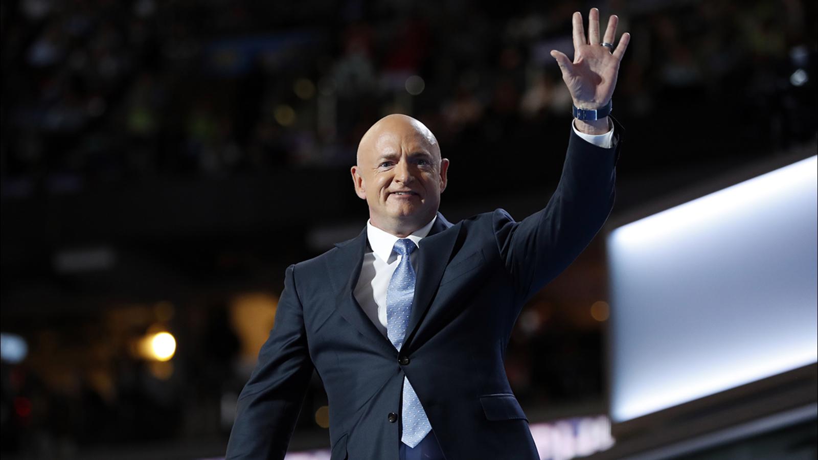 Mark Kelly announces run for McCain Senate seat in Arizona ...