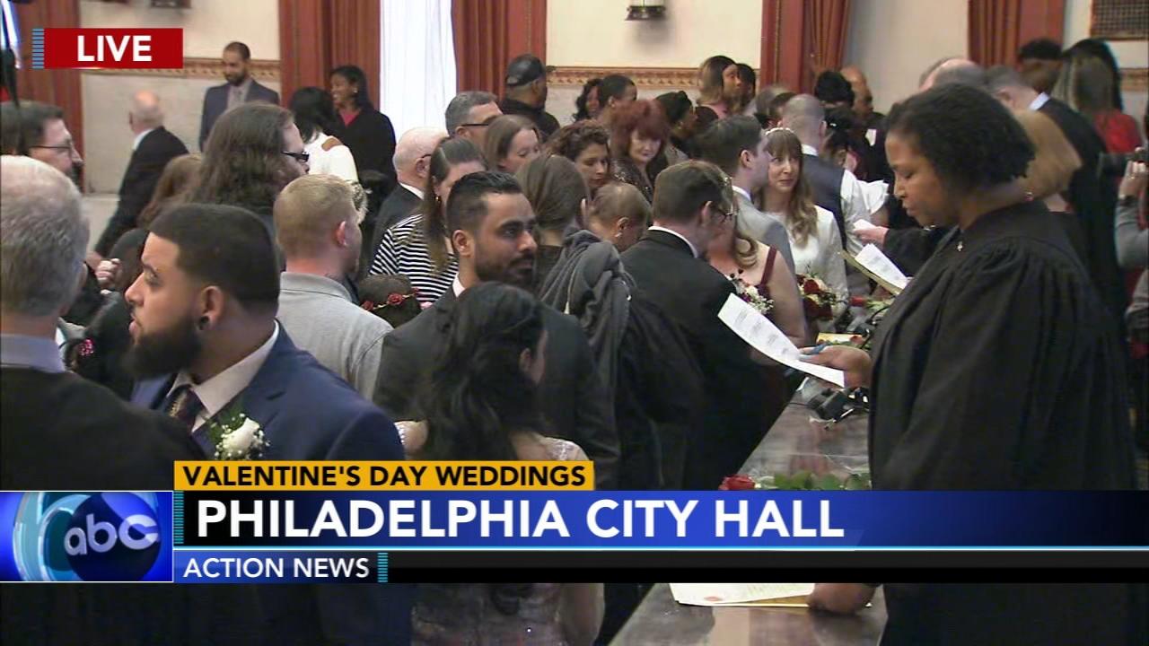 Dozens Of Couples Day I Do In Valentine S Day Extravaganza At City Hall 6abc Philadelphia