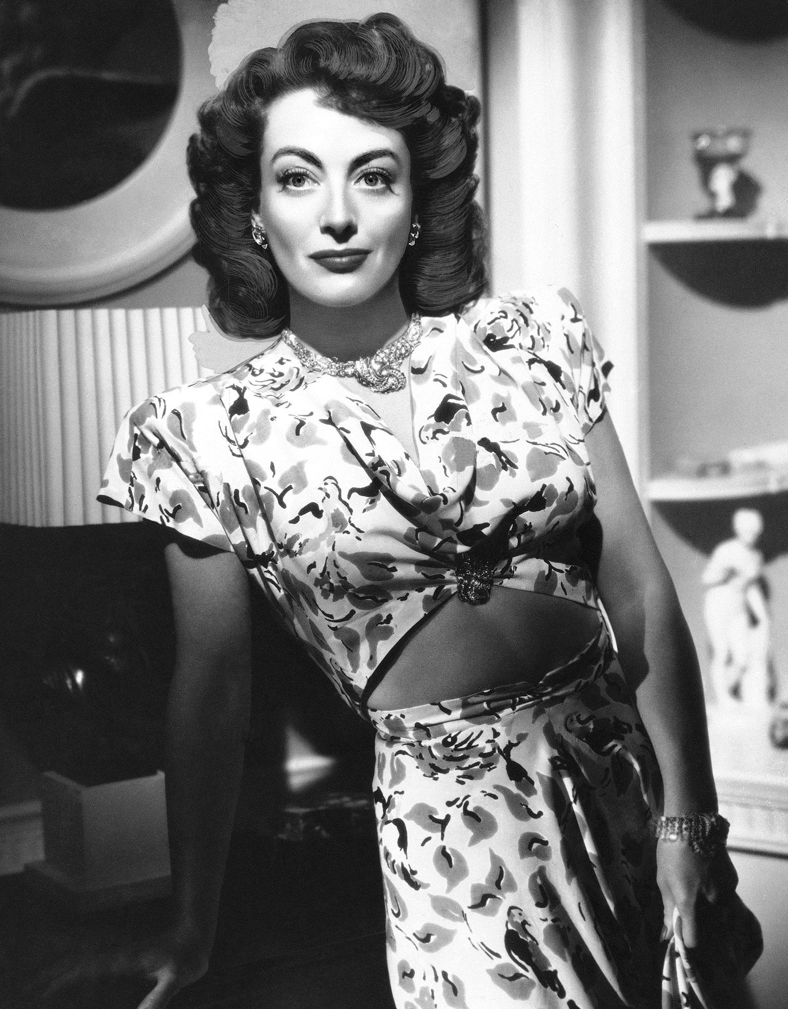 Vintage 60\u2019s 70\u2019s Floral Dress worn by actress Holly Taylor from \u201cDolly Parton\u2019s Heartstrings\u201d on Netflix