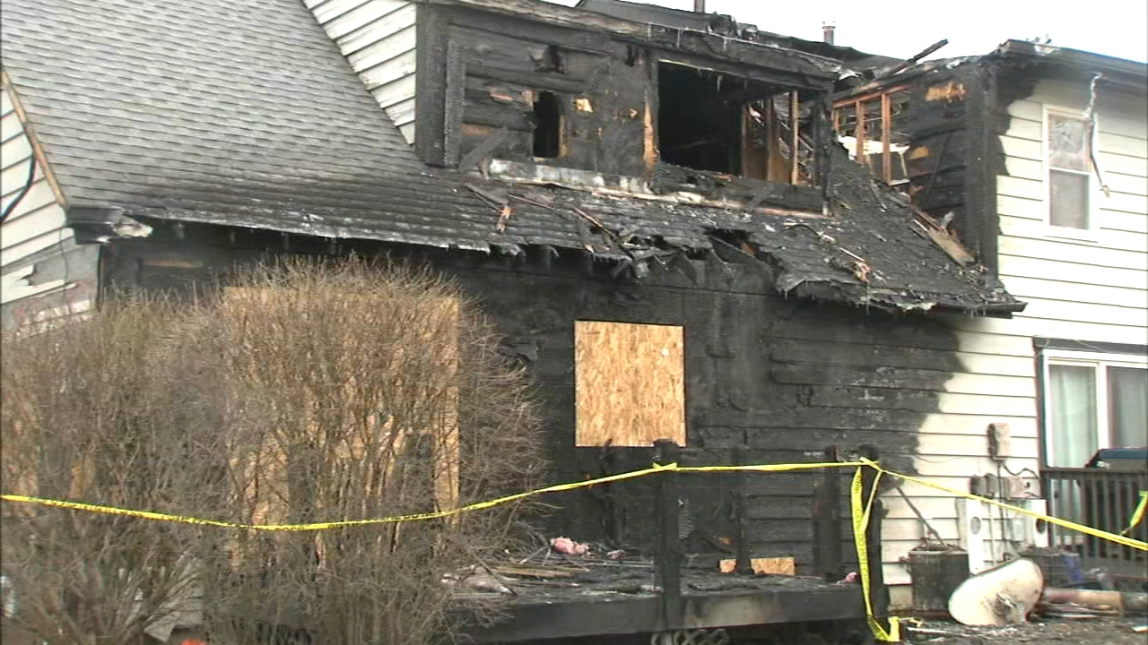 Mother injured in fatal Aurora townhouse fire released from hospital, surviving daughter out of ICU