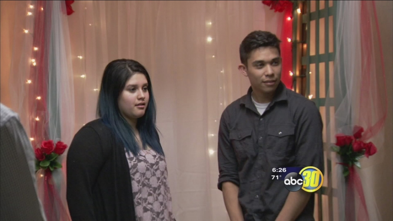 S Flock To Fresno County Clerk Office Get Married On Valentine Day Abc30