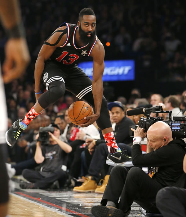 """<div class=""""meta image-caption""""><div class=""""origin-logo origin-image none""""><span>none</span></div><span class=""""caption-text"""">West Team's James Harden, of the Houston Rockets, tries to keep the ball inbounds during the second half of the NBA All-Star basketball game on Feb. 15, 2015 in New York.(AP Photo)</span></div>"""