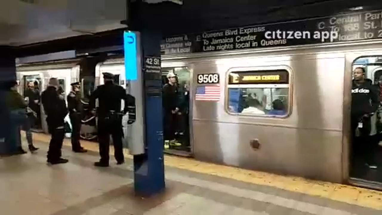 NYPD: Man stabbed by woman with blue hair on subway near Times Square after altercation