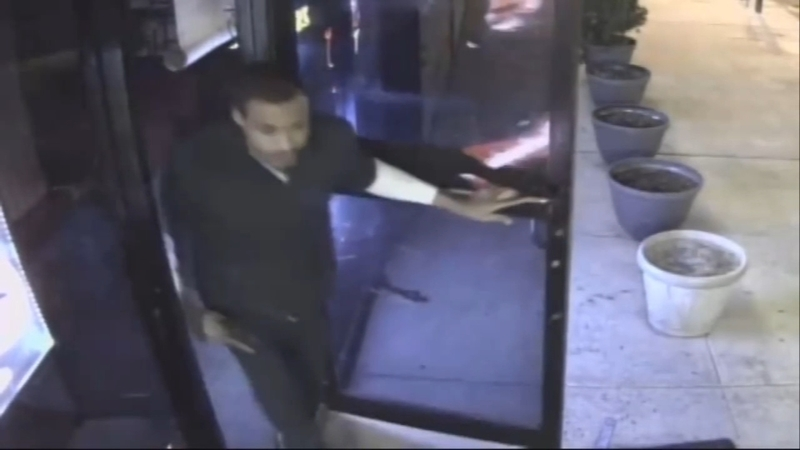 Customer robs Germantown bar, kills employee