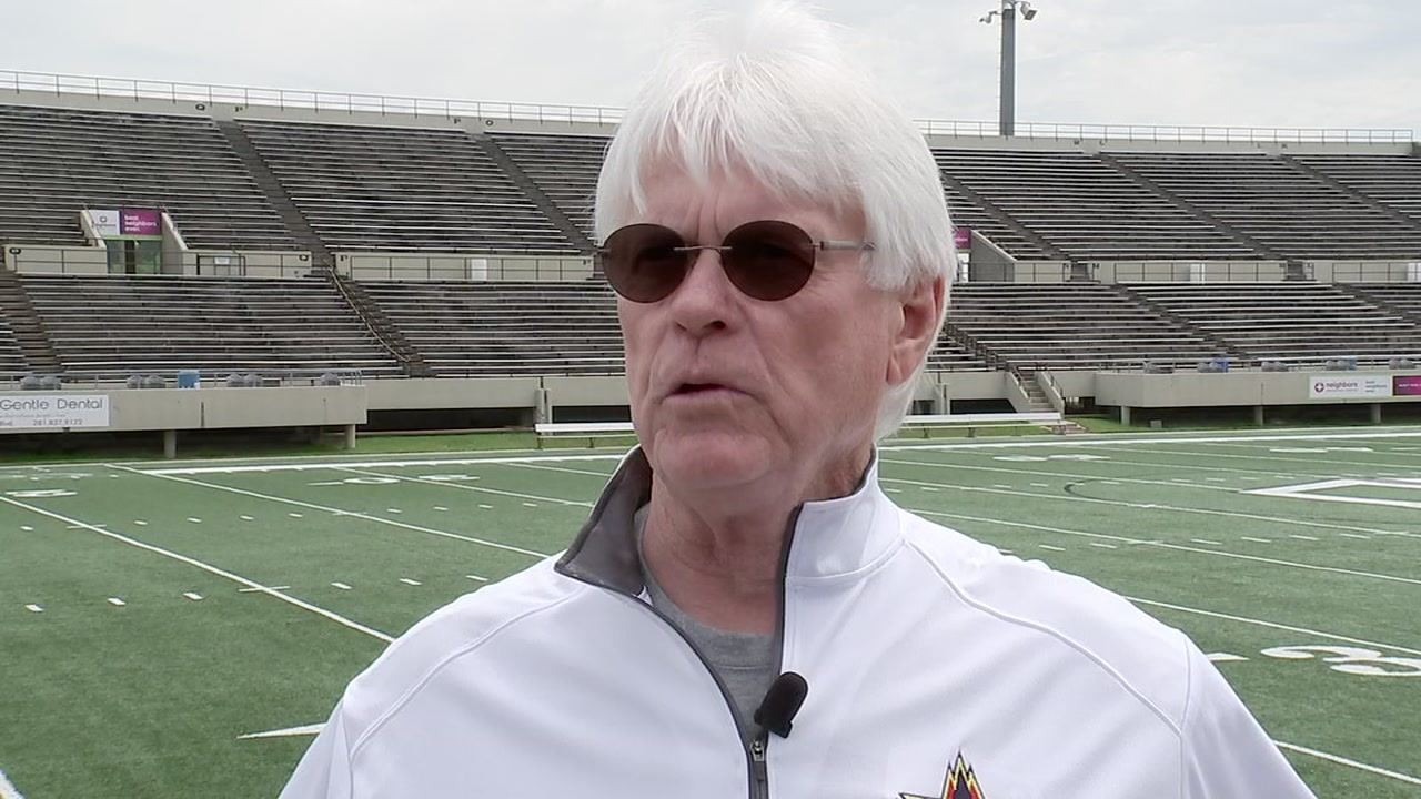 Baytown Lee known for succession of successful quarterbacks under Dick Olin