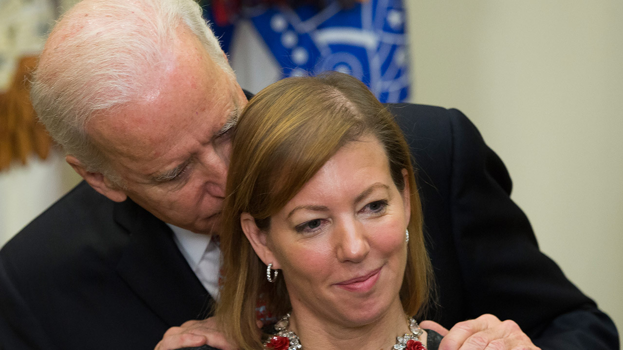 Twitter Explodes As Biden Gets Handsy With New Defense Secretary S Wife Abc7 San Francisco