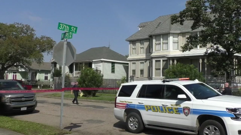 Woman finds body wrapped infront of her home