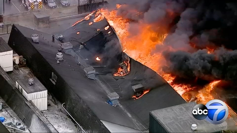 Newly Weds Foods Factory Destroyed By Fire On Chicago S Northwest Side Abc7 Chicago