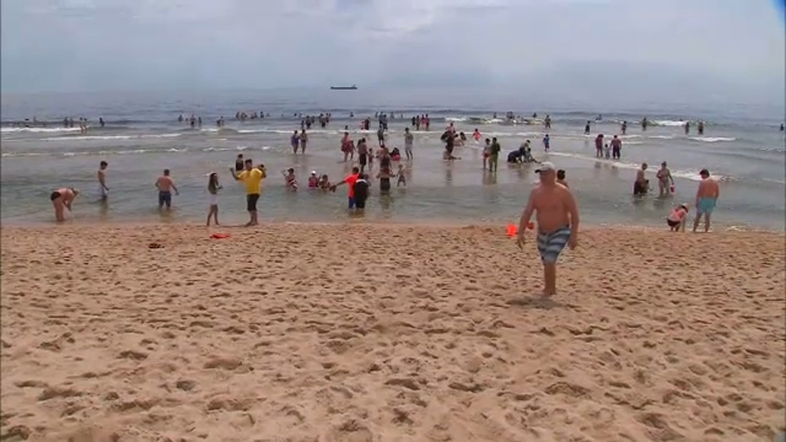 Federal Park Officials Ban Alcohol On Beach In Sandy Hook -9750