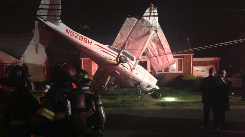 Small plane crashes into lawn of home on Long Island, all survive