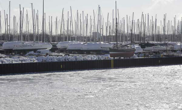 """<div class=""""meta image-caption""""><div class=""""origin-logo origin-image none""""><span>none</span></div><span class=""""caption-text"""">Ice fills the Calumet River next to a yacht yard Thursday, Feb. 19, 2015, in Chicago. (AP Photo/ M. Spencer Green)</span></div>"""