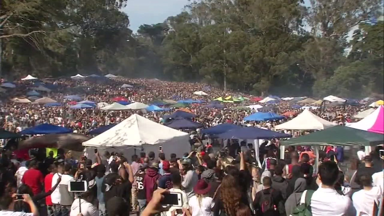 Organizers expect 20,000 at 4/20 smoke out at San Francisco's Hippie Hill