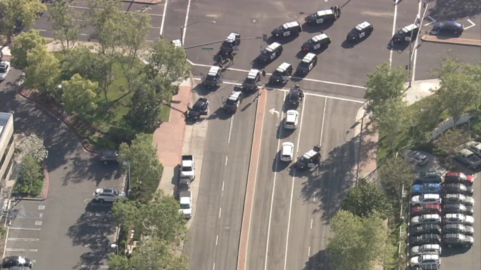 Bank robbery suspect dies after short pursuit leads to crash, standoff in Rancho Santa Margarita