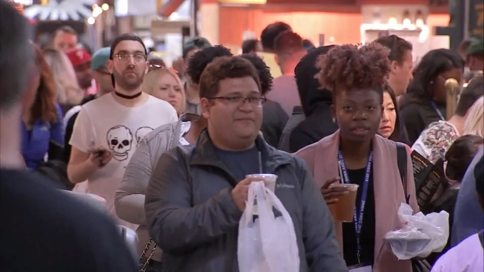 Folks head to Reading Terminal for holiday weekend shopping