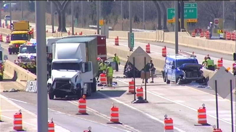 Semi-truck crash on I-94 in Northbrook sends 5 in critical condition